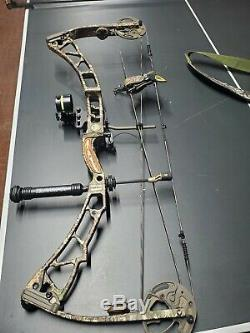2016 Elite Synergy compound hunting bow 65lb draw 29in length