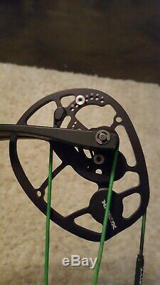 2019 Hoyt Nitrux 60-70 lb Right-Hand 27-30 in draw Hunting bow Bone Collector