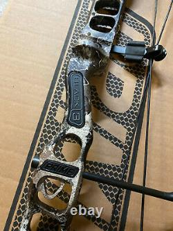 BRAND NEW G5 Prime Black 3 70# RH EXCAPE CAMO / Black Hunting Bow 70lb