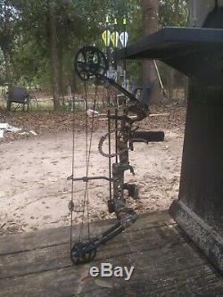 Barnett vortex hunter compound bow ready to hunt package