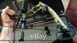 Bass pro Diamond Blackout SS Compound Bow with Case and accessories hunting