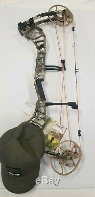 Bear Archery Divergent Compound Bow RH 60# Camo NEW