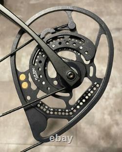 Bowtech Amplify Compound Bow Archery Hunting 70# 21-31 Black