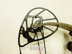 Bowtech Archery Realm SR6 With Accessories 25.5 30 RH 60# 70# Used