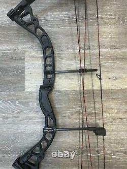 Bowtech Fuel Compound Hunting Bow 18 to 30 RH 30# to 70# Black used