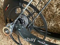 Bowtech Realm X 60# Right Hand 28 1/2 in draw shot very little. Never hunted