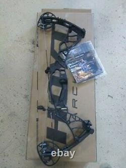 Brand NEW Hoyt Helix Turbo Compound Hunting Bow RH 70lb 29 Blackout