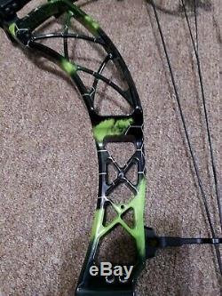 Green/ Black Xpedition Denali RH Compound Bow Archery 28.5-31DL 60DW