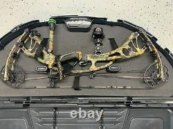 HOYT ARCHERY CARBON RX-3, never hunted with, only shot at a range once