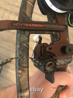 Hoyt Carbon Element Compound Right Hand RH Hunting Set-up 60-70# 29.5 QAD HDX