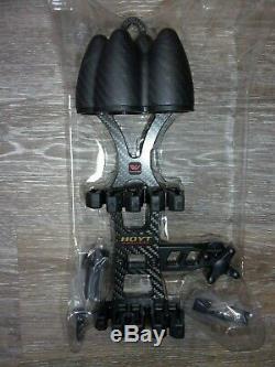 Hoyt Carbon Pro REDWRX 4-Arrow Short Hunting Quiver