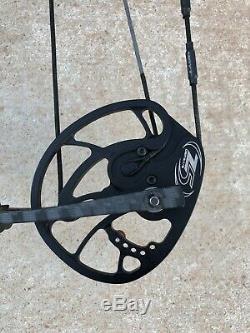 Hoyt Nitrum 34 Archery Bow Compound RH Hunting Black 60-70# 27 28 29 Blackout