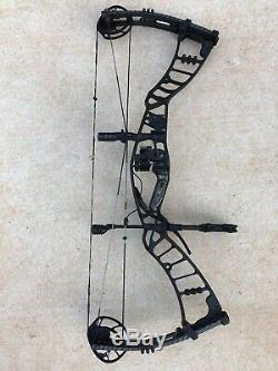 Hoyt Nitrum 34 Archery Bow Compound RH Hunting Black 60-70# 29 Blackout