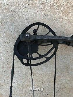 Hoyt Nitrum 34 Archery Bow Compound RH Hunting Black 60-70# 29 Draw Blackout