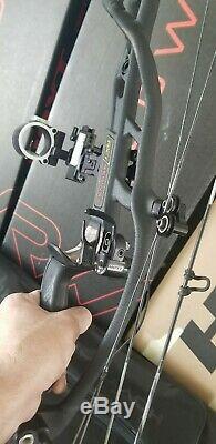 Hoyt RX1 RX-1 Turbo Archery Bow Compound Black Hunting Carbon RH 28-30 60-70