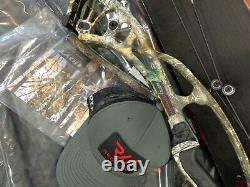 Hoyt RX-4 Ultra RH 60-70# (New)