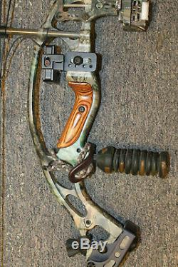 Hoyt Sabertec RH Compound Hunting Bow Pre-owned FREE SHIPPING