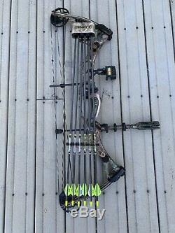 Hoyt Vectrix XL Compound Bow 60-70 RH 30 RTH Hunting Extras
