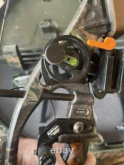 Hoyt XT2000 Compound Bow Everything You Need To Hunt Case Arrows Release