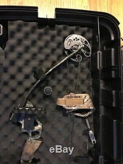 Hunting Bow PSE Bruin Pro Excellent Condition Includes Case + More