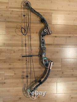 Left Handed FRED BEAR TRX 300 Compound Bow Hunting Team Realtree Great Condition
