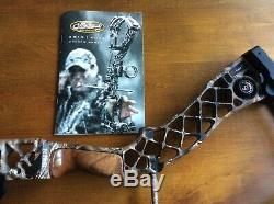 Mathews Creed Hunting Compound Bow, Right Handed. Original Owner, lightly used