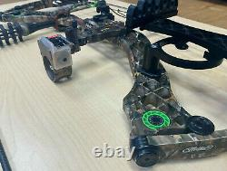 Mathews Heli-m 70/30 Compound Hunting Bow & 5 Arrows, 70 DW 26 DL, Right Handed