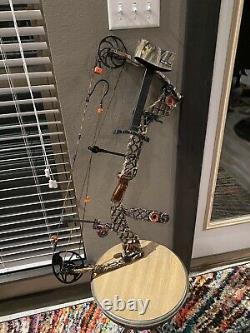 Mathews Heli-m compound bow 70 Lb Pull 30 Draw Great Condition Ready To Hunt