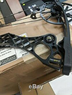 Mathews Monster Wake Black 70# 28 Right Hand hunting an 3d target bow