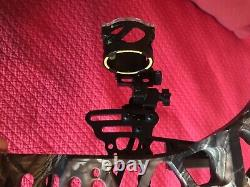 Mathews Rezeen 6.5 Fully loaded and ready to hunt. Every upgraded option
