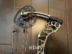 Mathews Vertix BARE hunting Bow Realtree Edge Camo