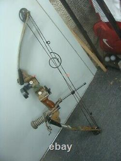 PSE Infinity Compound Bow Archery Hunting, RH, 50# 28, with Accessories & case