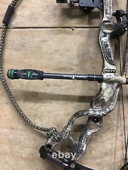 Used RH Hoyt Carbon Spyder Turbo package 60-70# 26-28 draw ready to hunt 2