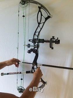 Bowtech Fanatic Target Bow Avec Binaires - Intérieur / Cible 3d / Chasse