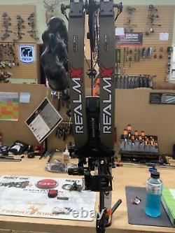 Bowtech Realm X Compound Hunting Bow 25 À 31 Main Droite 60# À 70#