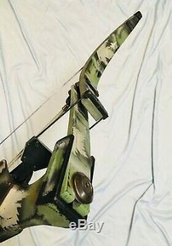 Dépêchez Les Oneida Strike Eagle Poissons / Chasse Droite Moyenne Tirage 30-50-70 Lb. Ready2go