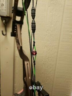 Hoyt Defiant Composé Bow 50-60 28-30 Colonne Montante Brun Récolte Main Droite