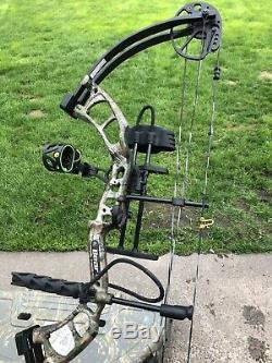 Ours Archery Cruzer Prêt À Chasser Arc À Poulies Mousse Chêne Camo