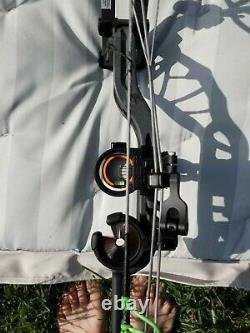 Ours Tir À L'arc Gris Fer Divergent Main Droite # 70 Chasse À L'arc Paquet Hunting